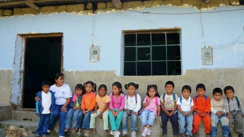 NGO Taxi Volunteering Teaching Rural Areas Peru