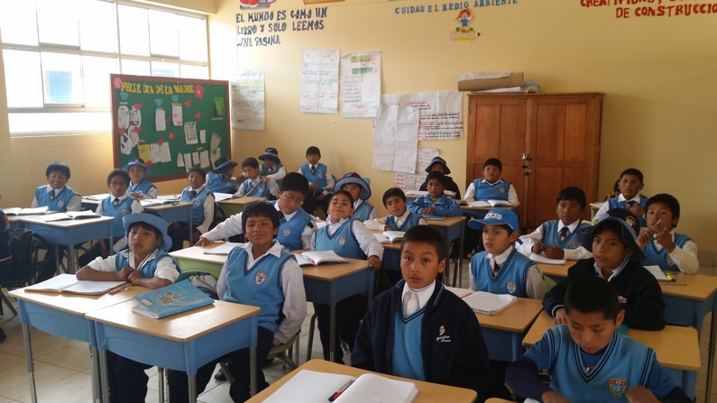 NGO Taxi Volunteers Teaching English Schools Peru
