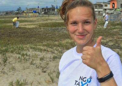 ngotaxi volunteering ecuador surfcamp-18