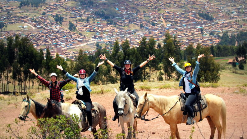 Cusco horseriding 6